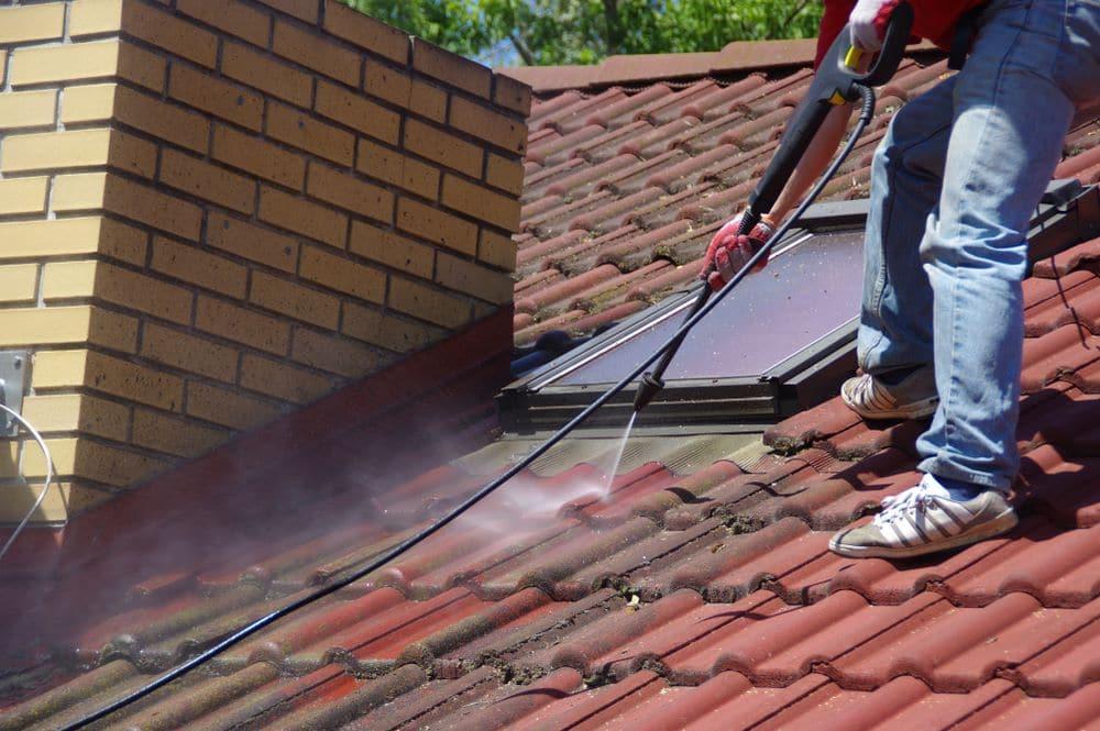 Nettoyage toit - couvreur professionnel